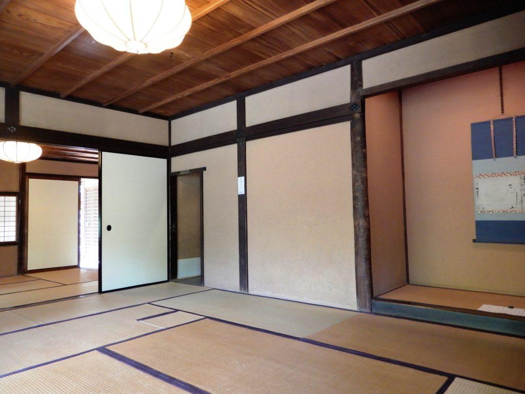 Pièce à tatami au rez-de-chaussée